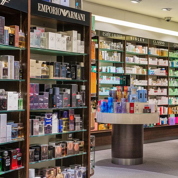 Zollfrei einkaufen in 50 shops in samnaun wellnesshotel for Stylische wellnesshotels
